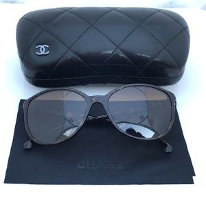 Chanel Women Sunglass Polarized Made in Italy